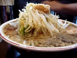 ラーメン二郎武蔵小杉支店(小豚横)