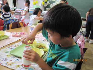 2010613+・。給食+058_convert_20100620015901