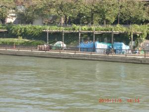 2011102隅田川のテント061_convert_20101111003106