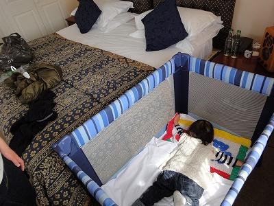 ベッド03