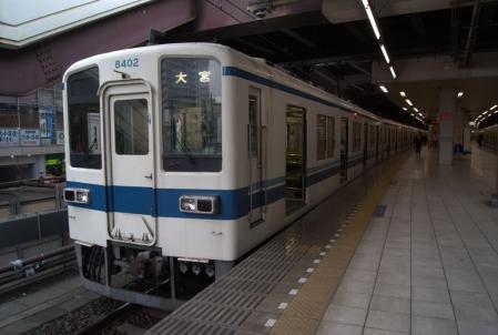 東武8102F。