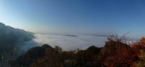 登山途中からみた雲海