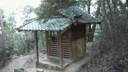神社裏のお社