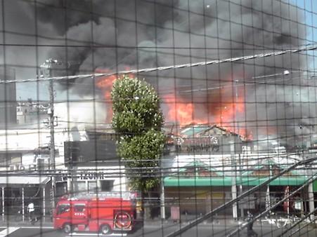 猫企画さん提供・炎上中の商店街