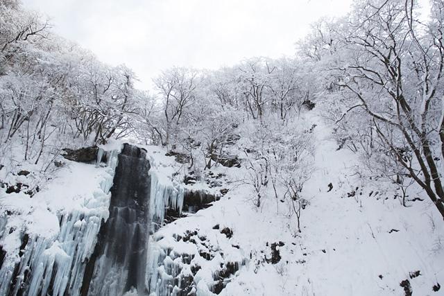 白銀の玉簾の滝