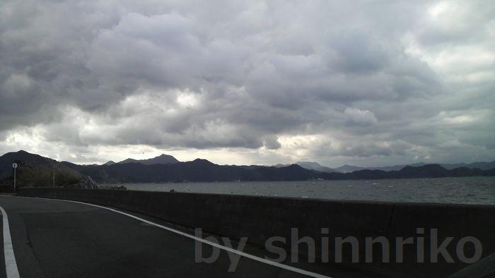 四浦の美しい海。この写真は北側、狩床付近。