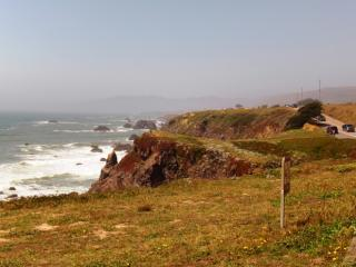 海岸線は絶壁