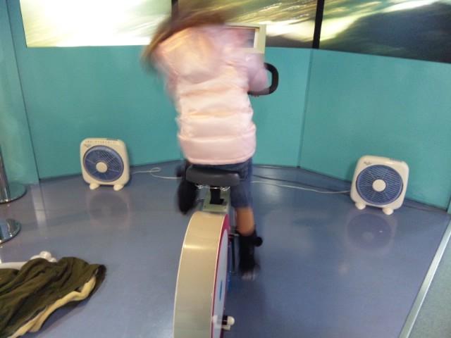 自転車シュミレータ