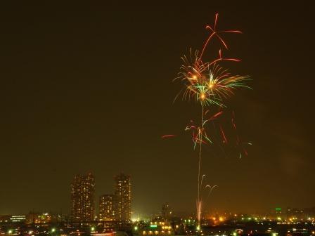 夜景と花火