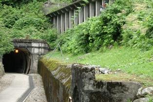 旧軌道トンネル