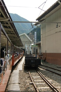 宇奈月駅出発