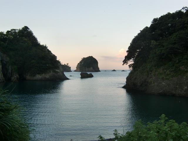 つば沢ビーチと三四郎島