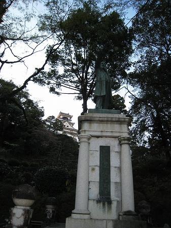 2009/11/23板垣退助・銅像