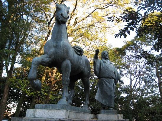 2009/11/23山内千代の銅像