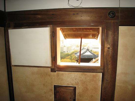 2009/11/23高知城窓から1