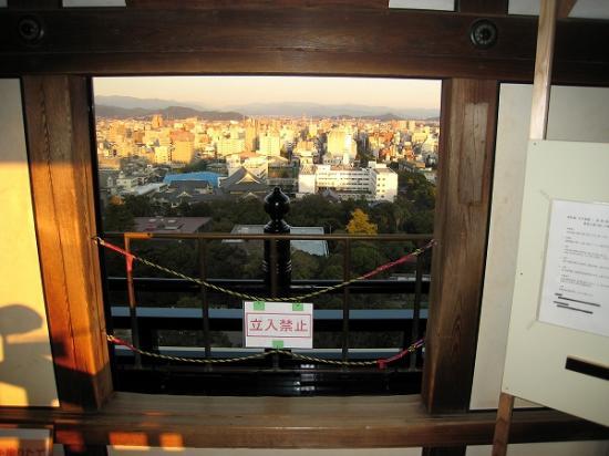 2009/11/23高知城天守閣から2