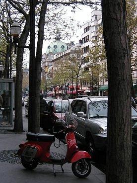 赤いスクーターの居たOpera界隈downsize
