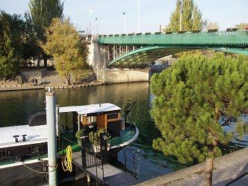 ジャット(Jatte)島から見るルバロワ(Levallois)橋downsize
