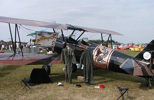 翼もパイロットスーツを乾かす臨時の物干しにdownsize