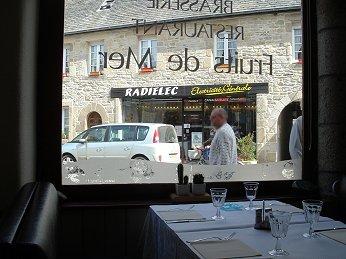 Roscoff レストラン Le Surcouf downsize