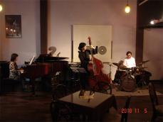 山崎久美子トリオ20101101-1