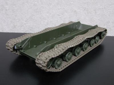 JSU-152 キャタピラ01