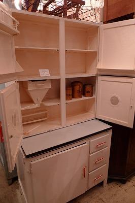 白キッチンキャビ2