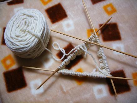 久しぶりに編み物♪