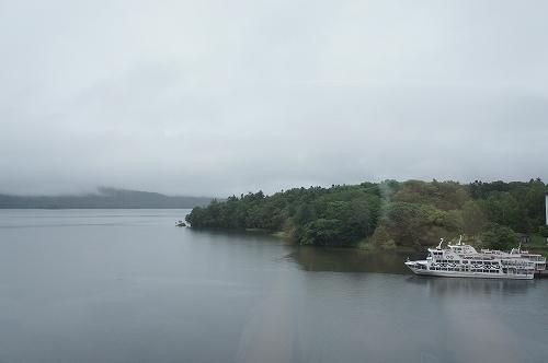 朝の阿寒湖