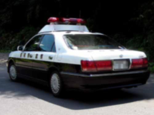 島根県警パトカー