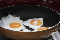 朝ごはん 2010/5/2~5/9 ベーコンに目玉焼き