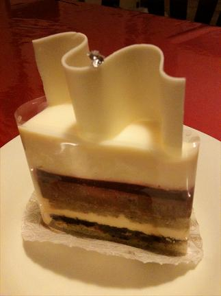ロートンヌ ホワイトムースケーキ