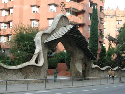 ミラーリュス邸の門2
