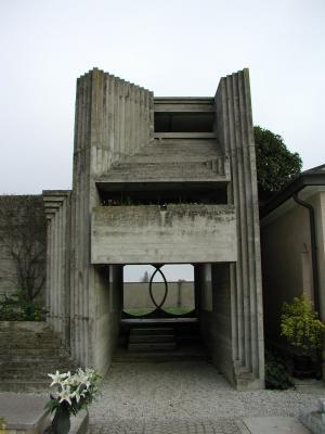 ブリオン・ベガ墓地8