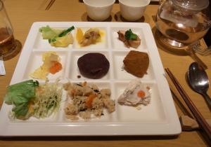 柿安 三尺三寸箸 大丸・福岡天神店