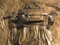 フランス・サント・マリー大聖堂のレリーフに彫られた契約の箱
