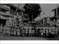 大正時代の連雀町神輿と子供たち