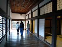 東側の廊下