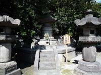 「有幸院殿(7代家継公)」の宝塔