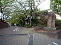 密蔵院参道入口