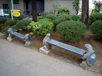密蔵院参道入口ベンチ