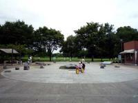 広場のオブジェ