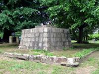 記念碑台座