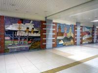 日本大通り駅三塔広場の壁画