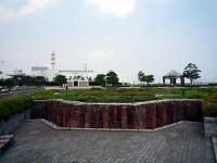 旧税関事務所遺構(右突堤中央事務所)