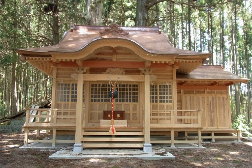 新しい拝殿