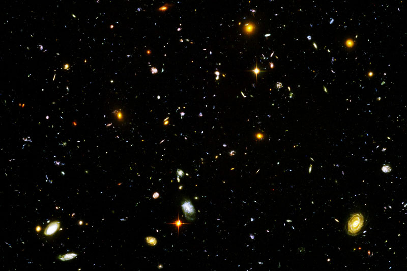Hubble_Ultra_Deep_Field_Black_point_edit.jpg