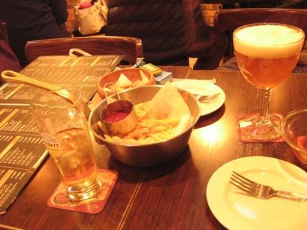 ビールとポメス