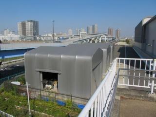 トンネルは防災体験学習施設そなエリア東京の一角の地下を横切る。