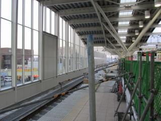 軌道敷設まで完了した武蔵小金井駅の4番線(上り本線)